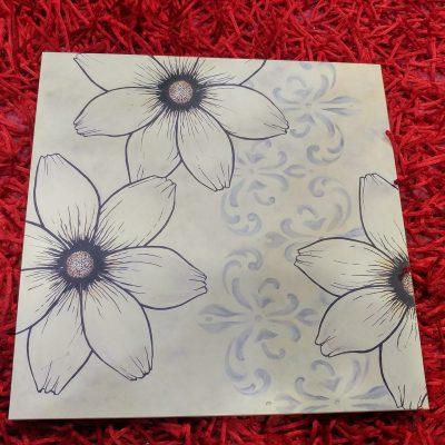 Tabla decorativa flores