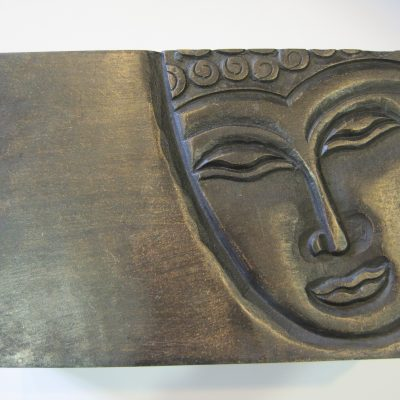 caja madera Buda