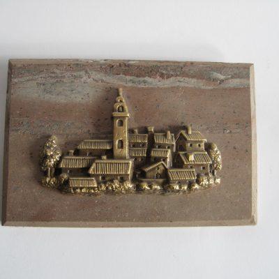 placa de piedra y bronce