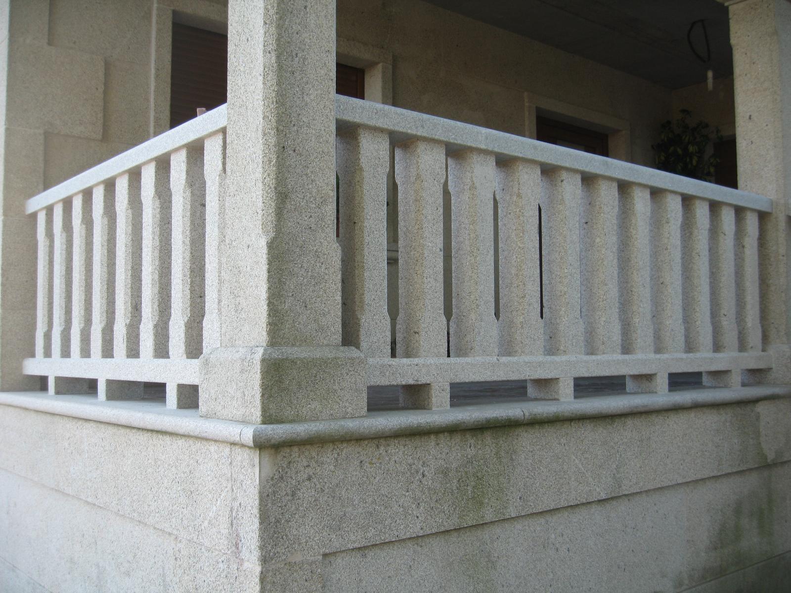 Balc n con balaustrada de piedra pedri as - Balaustres de piedra ...