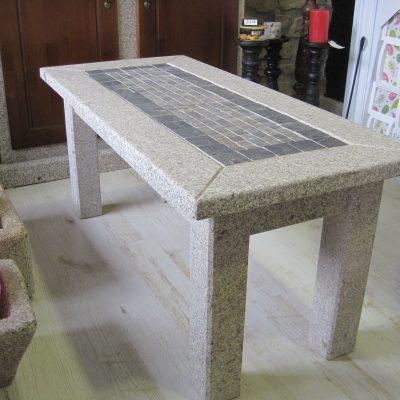 Mesa centro de piedra