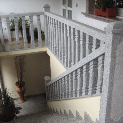 balaustrada escaleras piedra