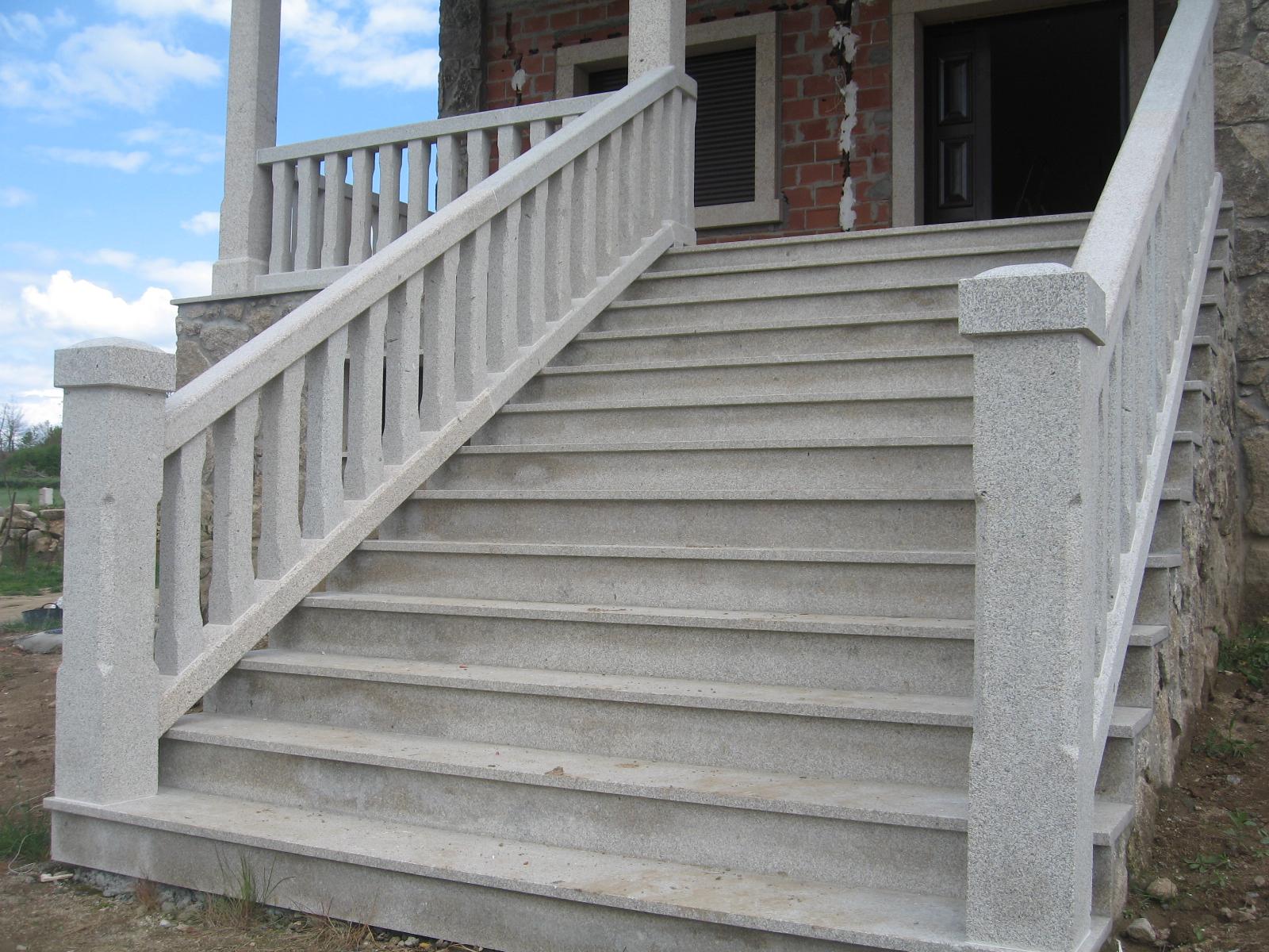 escalera de piedra con balaustrada pedri as