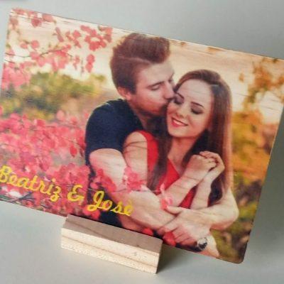 Postal de madera con foto