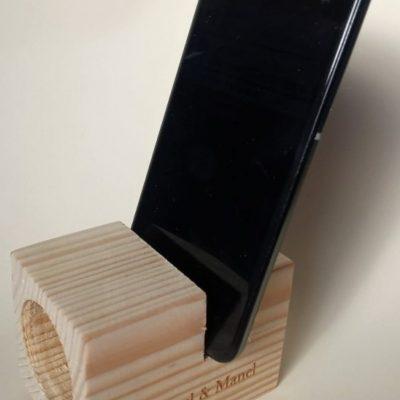 Altavoz madera grabada