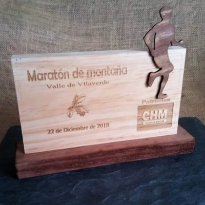 Trofeo madera personalizable